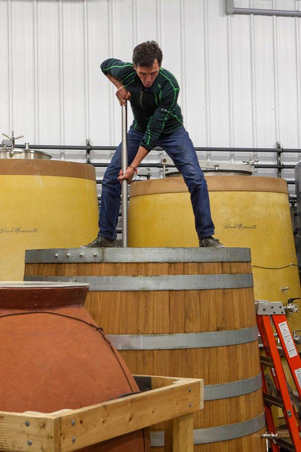 Francois Morissette im Weinkeller