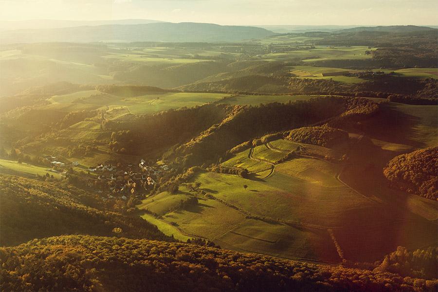 Landschaftsaufnahme, leuchtend, sattes Grün, die Schönheit der Natur